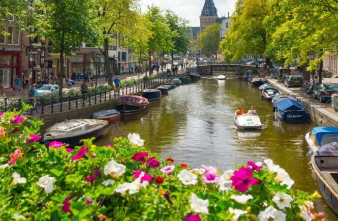 איך למצוא טיסה זולה לאמסטרדם