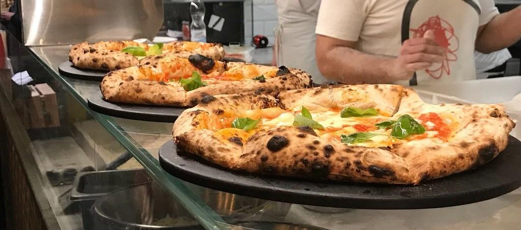 הפיצה הכי טעימה ברומא,טיסות זולות