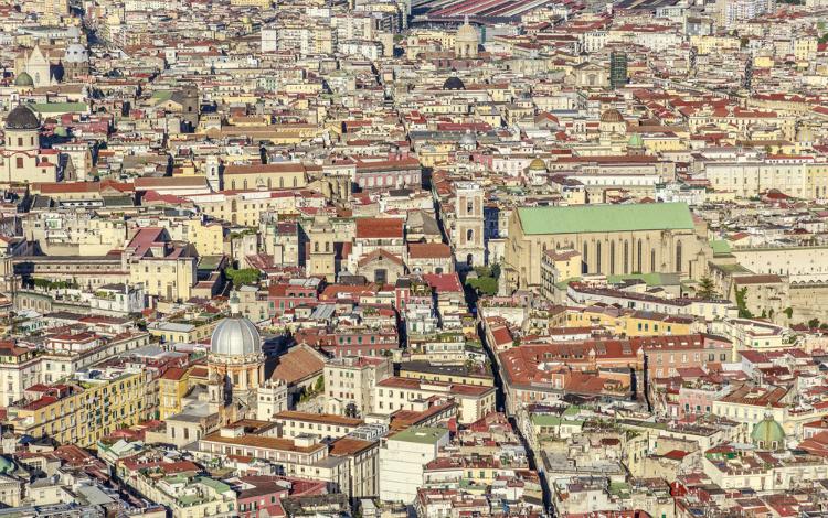 מה לעשות בנאפולי,מרכז היסטורי ושוק