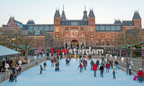 אטרקציות באמסטרדם - החלקה על קרח באמסטרדם
