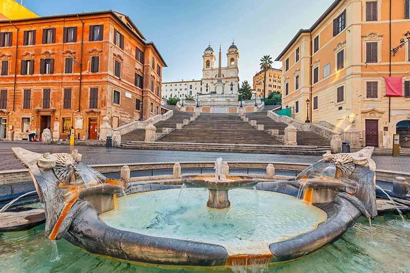 המדרגות הספרדיות ,מקום רומנטי ויפה ברומא