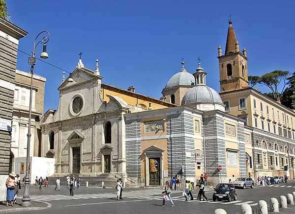 כנסייה עתיקה בפיאצה דל פופולו - כנסיות חינמיות ברומא