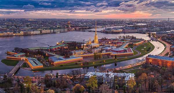 מבצר פטרופבלובסקיה,מראה מלמעלה הדבר הראשון שנבנה בסנט פטרסבורג
